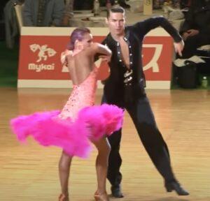 vestido baile latino con flotadores