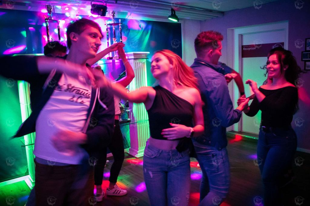 1631532653 899 To gain advantages of a salsa dance school in Sihlcity