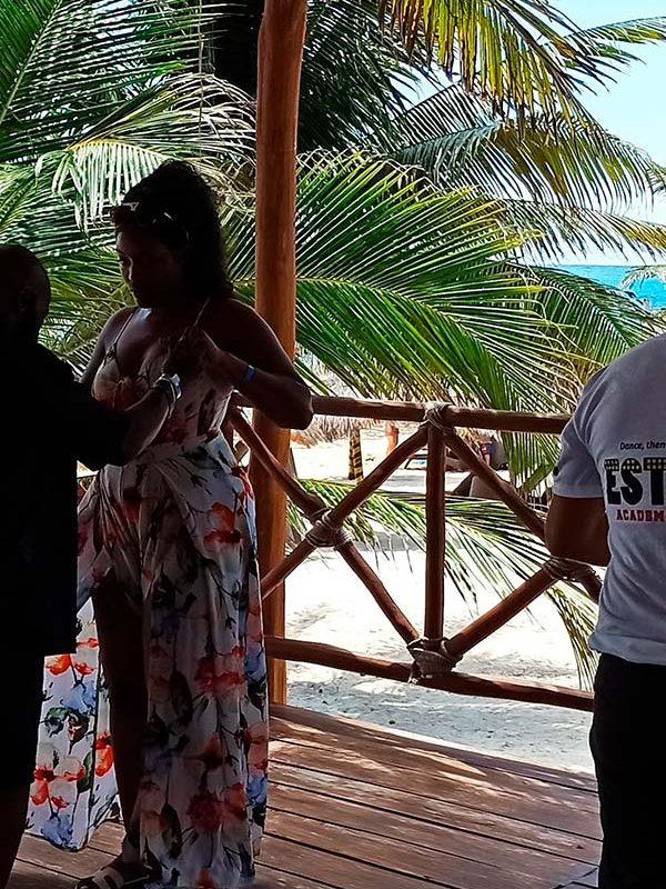 Group Salsa Class in Cancun